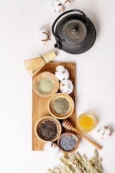 緑茶、黒茶、抹茶各種