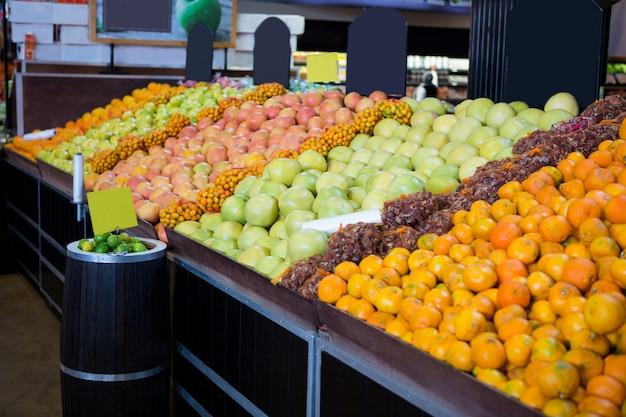 オーガニックセクションの果物の種類