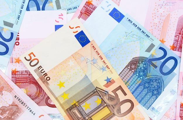 다양한 유로 지폐