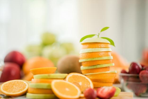 Различные фрукты, питание здравоохранение и здоровая концепция Бесплатные Фотографии