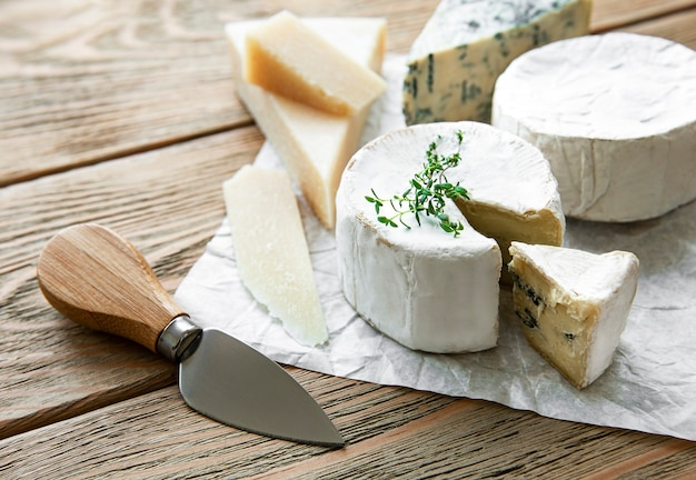각종 치즈, 블루 치즈, 브리, 카망베르