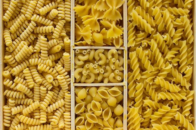 Различные виды макаронных изделий крупным планом