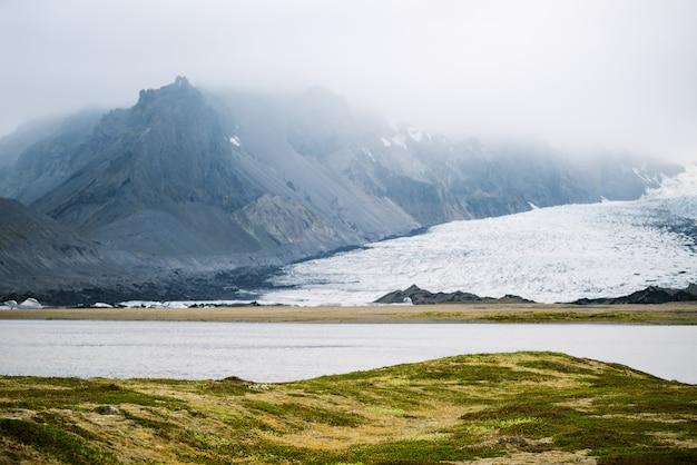 ブライダルロン湖の近くのvatnajokull氷河