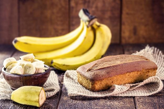 비건 바나나 빵, 글루텐이나 설탕이없는 건강한 아침 식사, 맛있는 식단