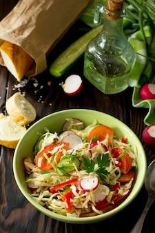 ビーガン料理適切な栄養健康的なライフスタイル夏のビタミンサラダ