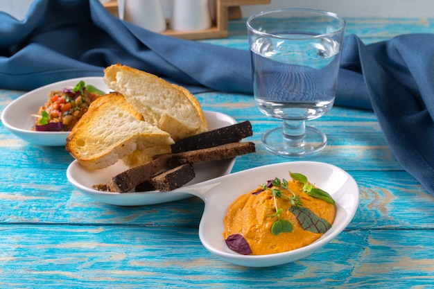 Vegetable caviar and bread