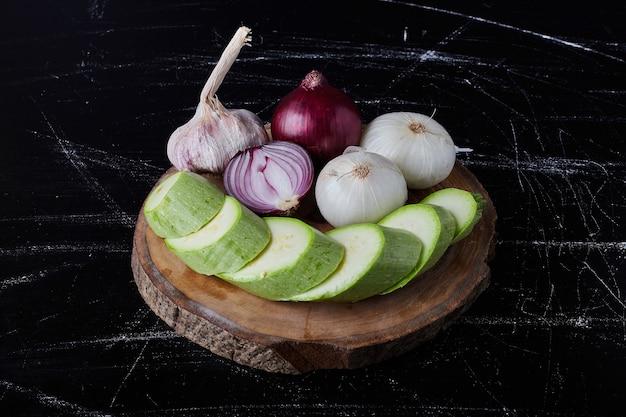 Composizione vegetale sul nero