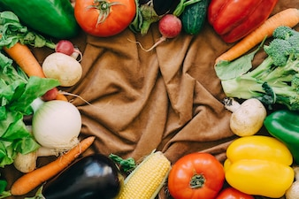 Vegetable composition with space in middle