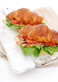 Vegetable croissant sandwich