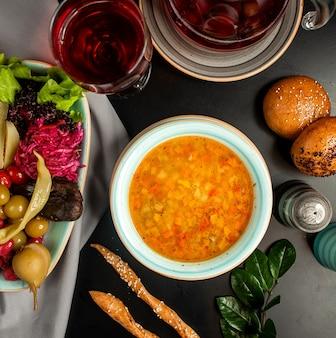 Овощной суп с маринованным баклажаном