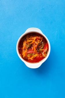 スパイシートマトソースの野菜シチュー