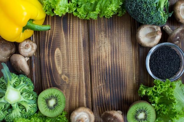Рамка из овощей и фруктов