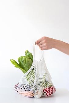 Композиция из овощей в текстильном мешочке