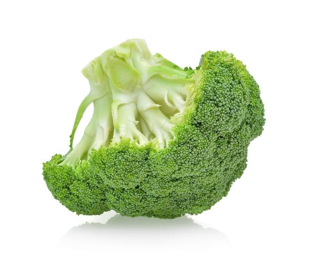 Изолированные овощи брокколи