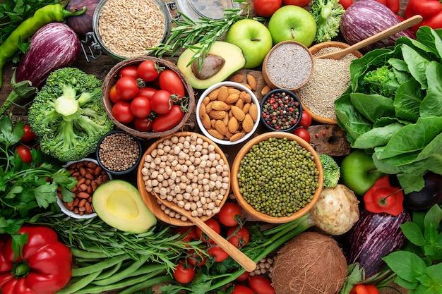 野菜、果物、穀物のトップビュー。バックグラウンド