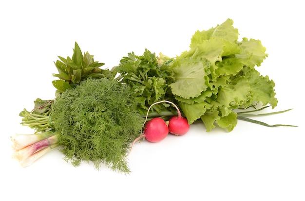 Овощи, изолированные на белом фоне