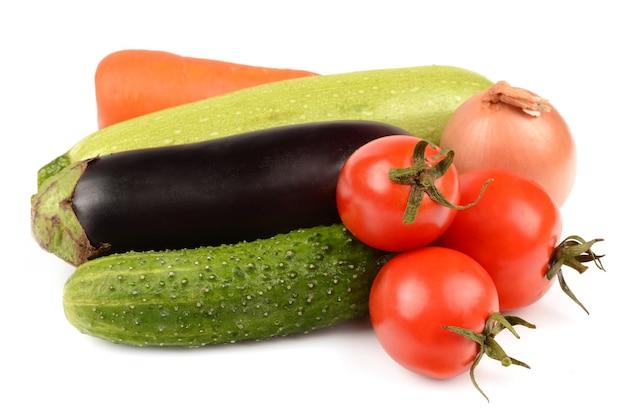 Овощи на белом фоне
