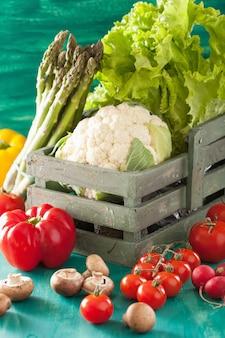 Vegetables tomato pepper onion cauliflower lettuce