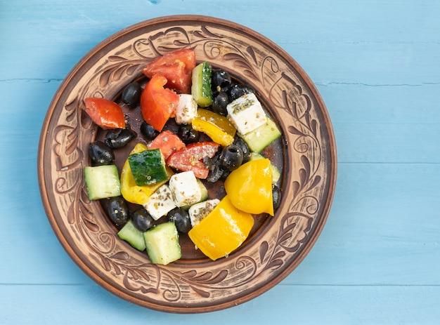 ベジタリアン料理フェタチーズのギリシャ風サラダ上面図