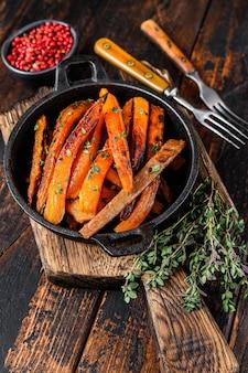 Вегетарианский жареный картофель из сладкого картофеля в духовке