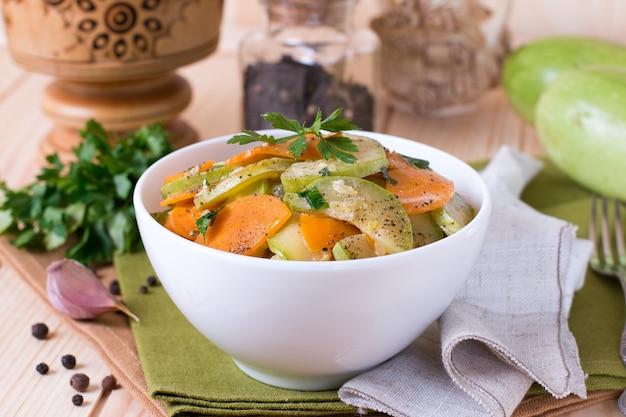 Вегетарианское рагу из летних овощей