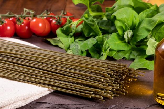 Vegetarian, vegan spinach noodles. healthy food.