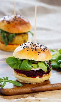 Vegeterian burgers with beetroot and cheakpea