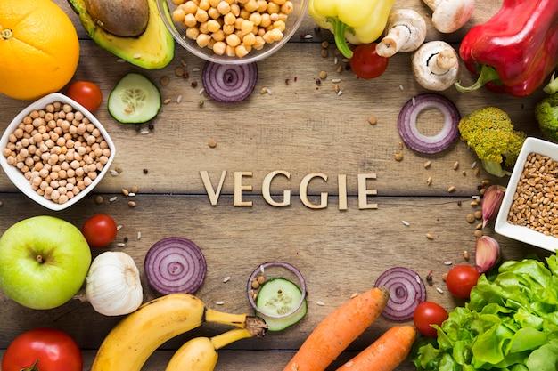 健康食品に囲まれた野菜のレタリング
