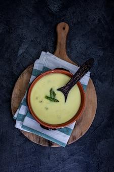 Velvet sauce of asparagus