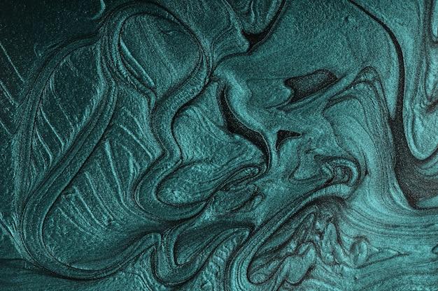 Вертикальный мерцающий бирюзовый абстрактный фон. великолепный монохромный цвет. концепция макияжа. красивые пятна жидких лаков для ногтей. флюид-арт, техника заливки. подходит для размещения текста или логотипа.