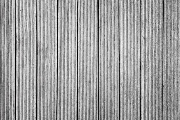 垂直木の板の表面