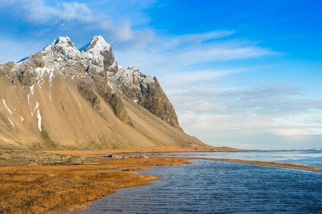 아이슬란드 호픈 스톡스네스 반도의 베스트라호른 산