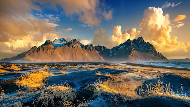 アイスランド、stokksnesのvestrahorn山。