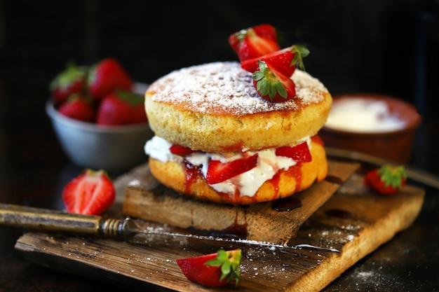 ヴィクトリアスポンジケーキ。