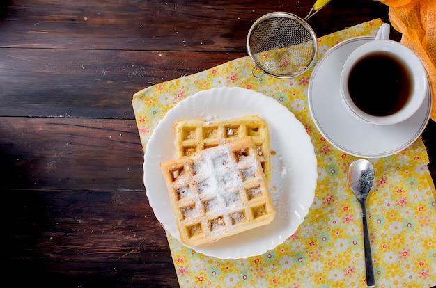 Viennese wafers with sugar powder