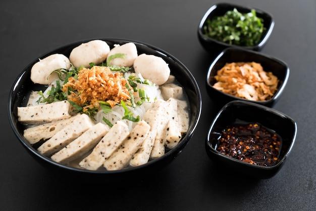 Vietnamese noodles (pho)