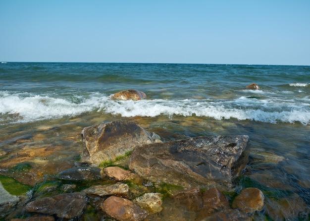 Ust-barguzin의 바이칼 호수에서 보기
