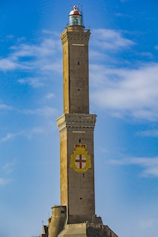 イタリアのジェノヴァ灯台で見る