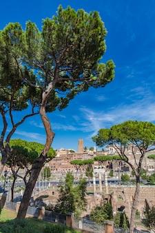 イタリア、ローマのトラヤヌスの市場で見る