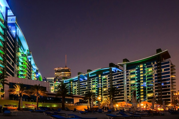 A view of the beach and the complex oceana palm jumeirah