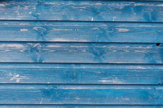 Vista della struttura in legno blu