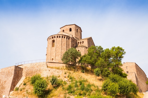 Vista del castello di cardona
