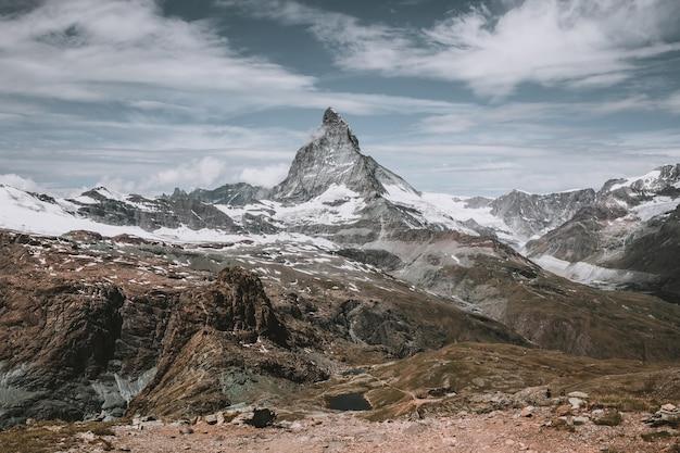 근접 촬영 보기 마터호른 산, 국립 공원 체르마트, 스위스, 유럽에서 현장. 여름 풍경, 햇살 날씨, 극적인 푸른 하늘과 화창한 날