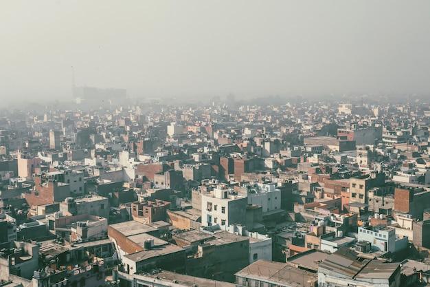 Aeroplane에서 보기, aero 보기, 조감도, 델리 인도의 날개 비행기가 있는 건물 보기
