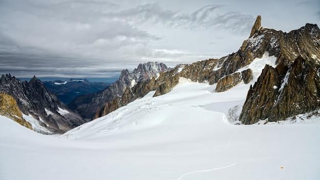 Monte bianco (mont blanc) valle d' aosta 이탈리아에서보기