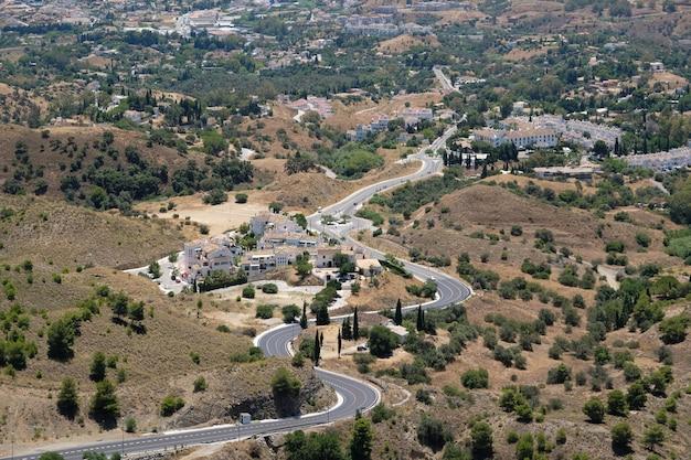 베날마데나 스페인 근처 칼라모로 산에서 본 전망