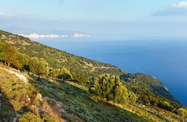 Myrtos 해변 도로에서 볼 수 있습니다. 여름 바다 풍경 그리스, kefalonia.