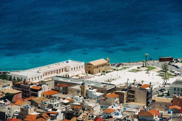 Zakynthos 섬의 교회 높이에서보기