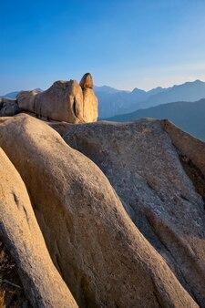 일몰에 울산 바위 락 피크에서 볼. 설악산 국립 공원, 사우스 코레아