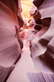 有名なアンテロープキャニオン、ページ、アリゾナ、米国のビュー